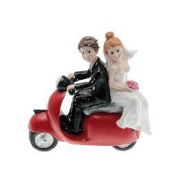 Couple de Marié sur scooter rouge