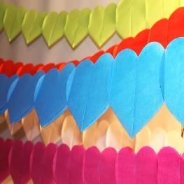 Guirlande de coeurs en papier
